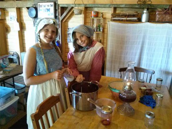 Pioneer Girls: Home on the Prairie