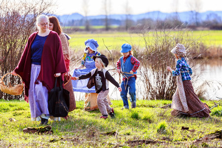 walking-at-pond-homeschoolers