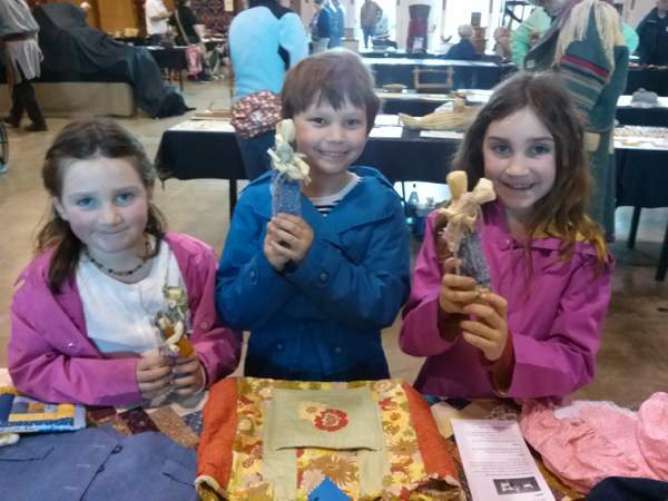 kids-with-corn-dollies-for-the-web