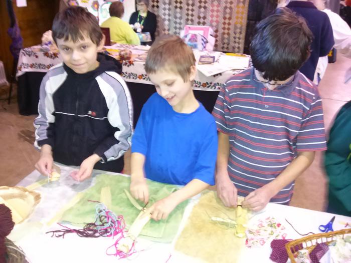 boys-making-dolls